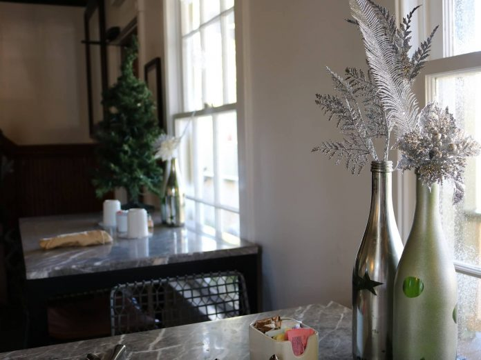 holiday decorations at agustin inn for christmas in st. augustine